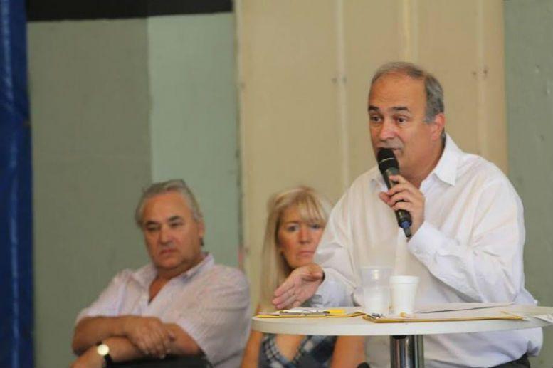 Eduardo Macchiavelli en la Comuna 11
