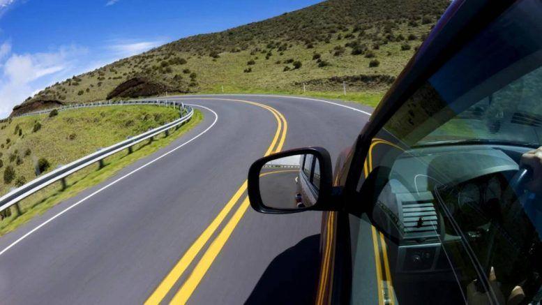 Auto en ruta