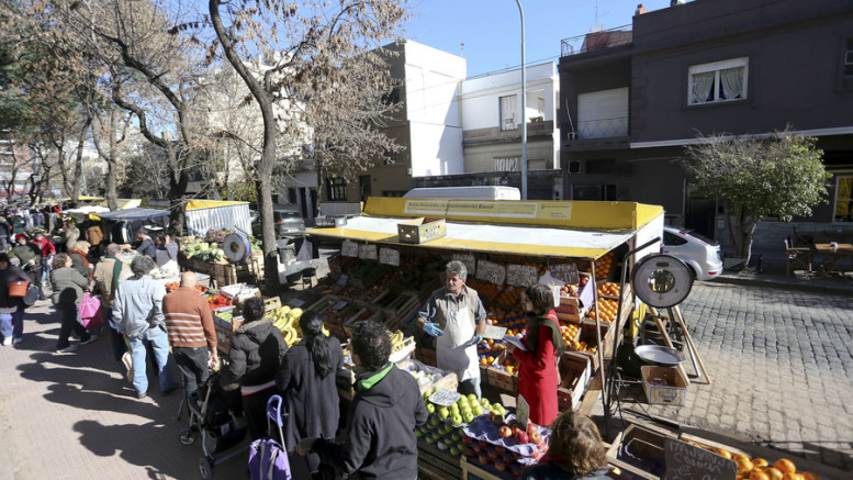 Feria itinerante de abastecimiento barrial
