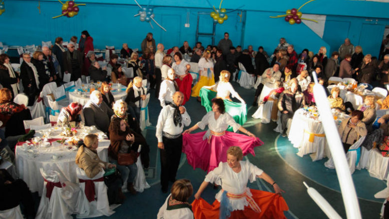 """Presidencia de la Comuna 11 junto a PAMI celebraron el """"Día del Amigo"""""""