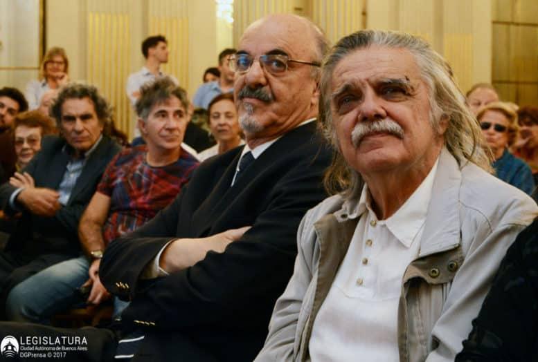 González, junto a Tomada, en el inicio del acto