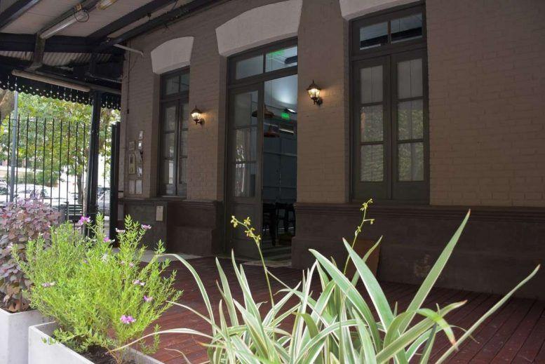 Edificio estación Villa del Parque